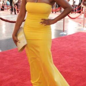 Elegant Strapless Nicole Miller Red Carpet Gown